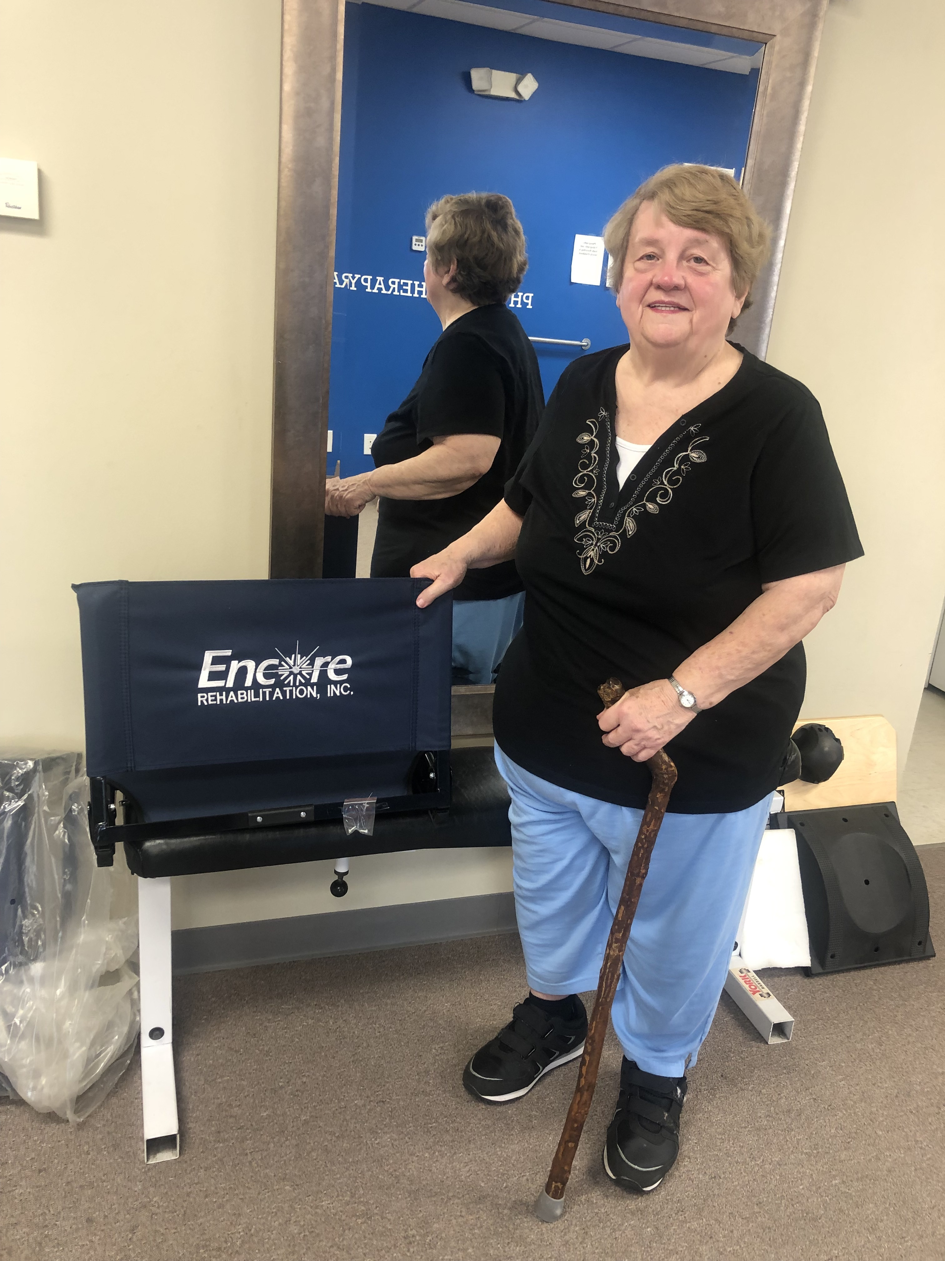 Sarah Pope has successfully rehab & wins a door prize with #EncoreRehab Clanton